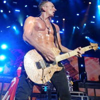 Phil Collen is a not just a master of guitar, but also of health.